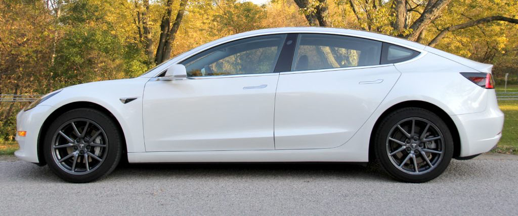 How much does a new Tesla Model 3 really cost in Canada ...